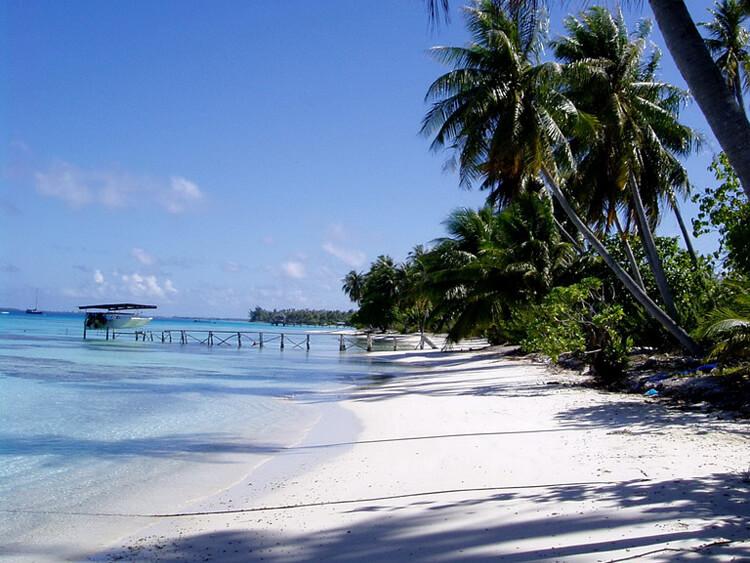 http://tahitivoileetlagon.com/wp-content/uploads/2014/10/TUAMOTU_05.jpg