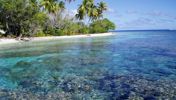 lagon aux Tuamotu