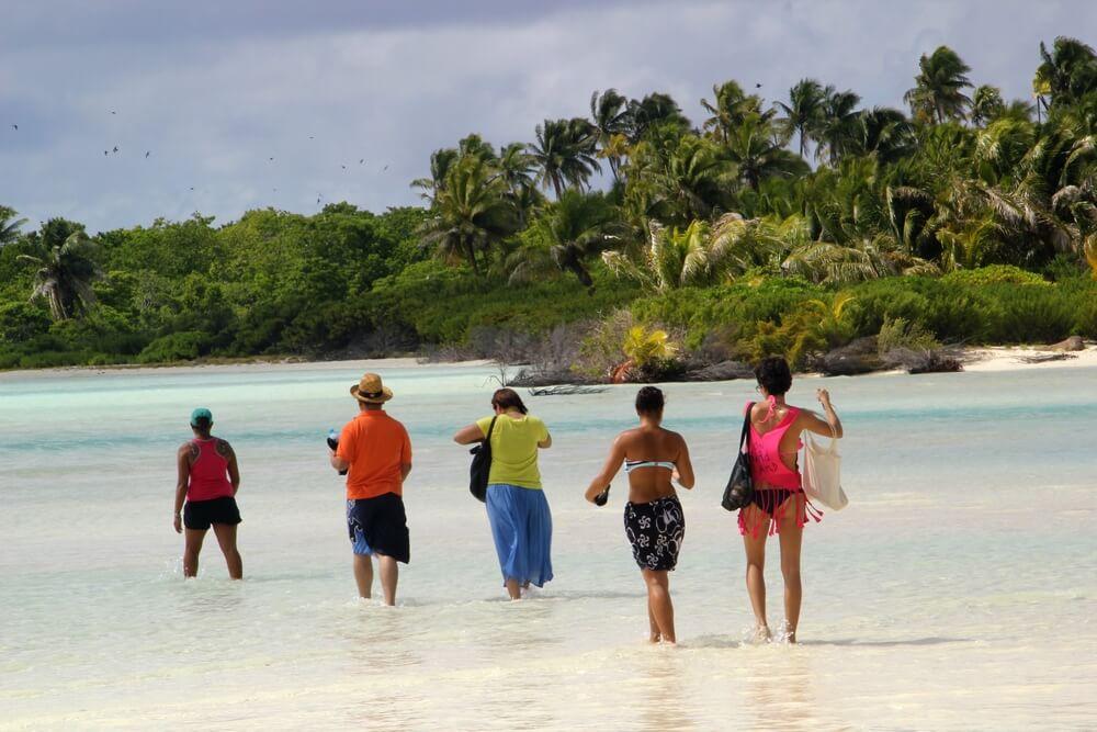 http://tahitivoileetlagon.com/wp-content/uploads/2015/10/tetia02.jpg