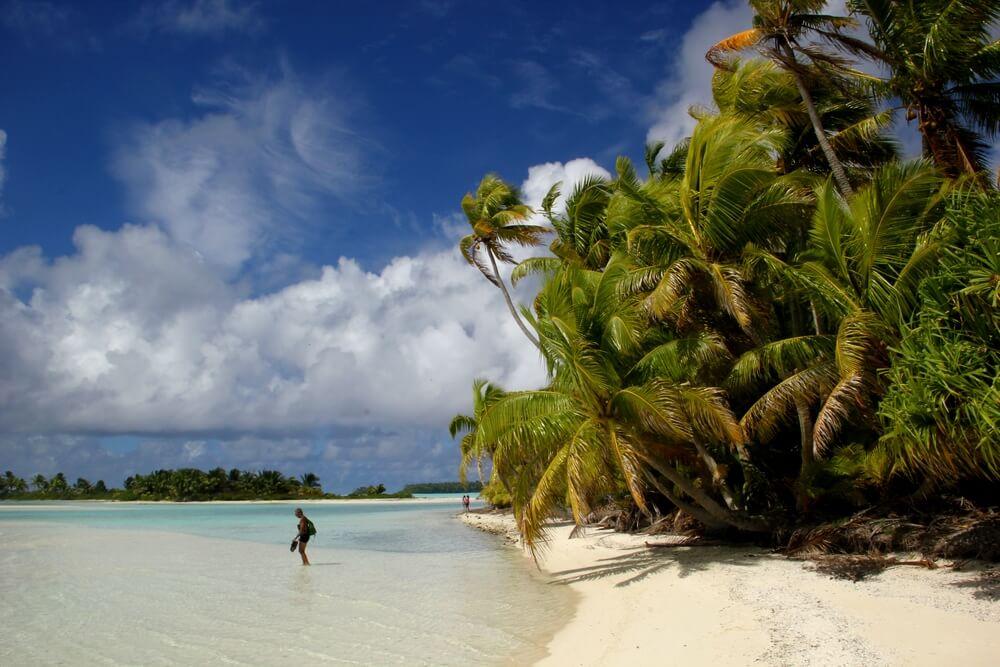 http://tahitivoileetlagon.com/wp-content/uploads/2015/10/tetia2j04.jpg