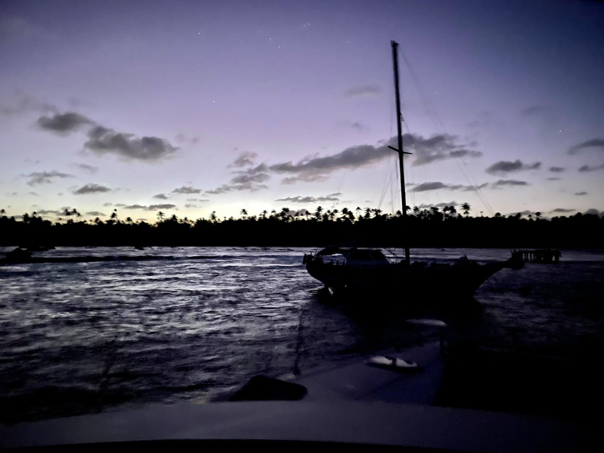 http://tahitivoileetlagon.com/wp-content/uploads/2021/07/nuit-TETIAROA.jpg