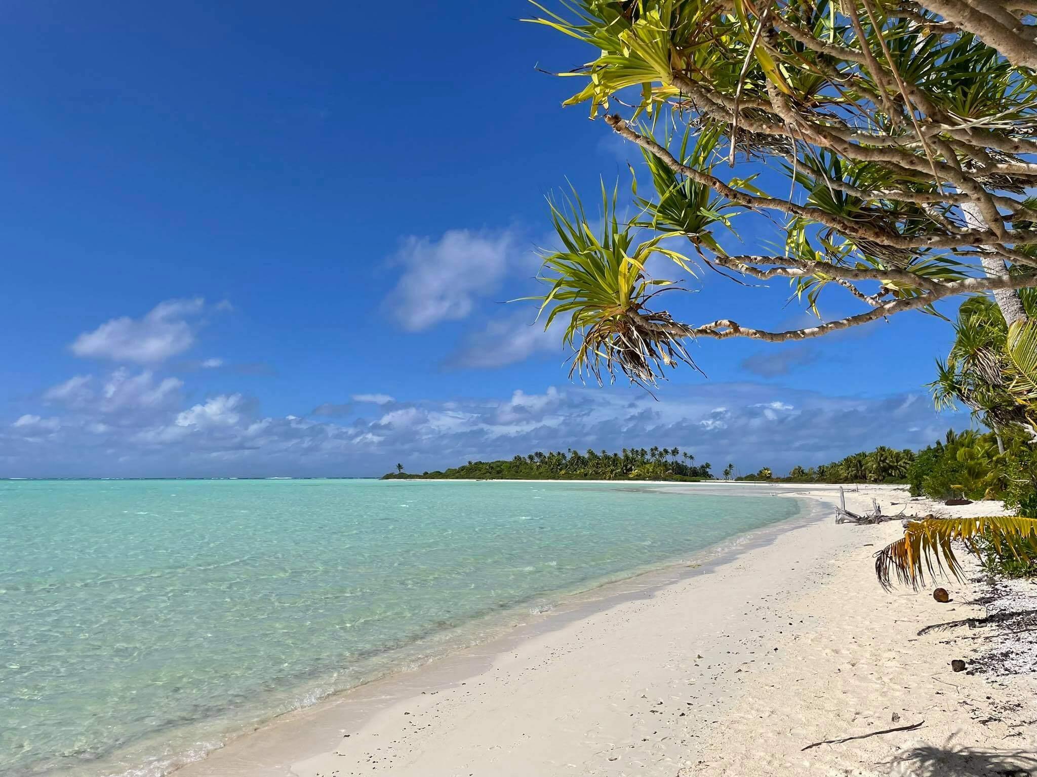 http://tahitivoileetlagon.com/wp-content/uploads/2021/07/plage-TETIAROA.jpg